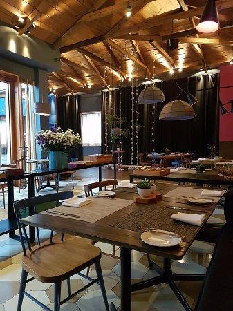 Hotel Bo: Un restaurante muy acogedor, excelente limpieza y servicio.