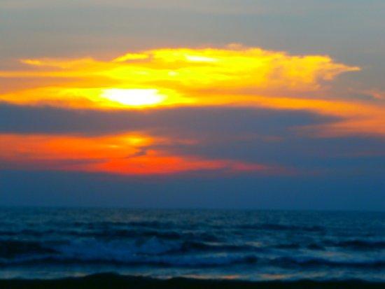 Hotel Mermaid & Club: sunset on the beach
