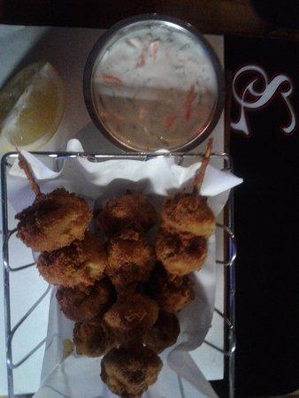 Bellville, Νότια Αφρική: MUSHROOM SKEWER R54,90 grilled or crumbed button mushrooms with tartar sauce