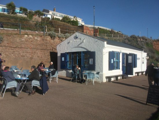 Budleigh Salterton, UK: The sheltered patio