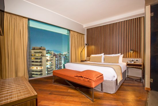 voyeur rooms - Review of Hotel Cumbres Vitacura, Santiago, Chile ...
