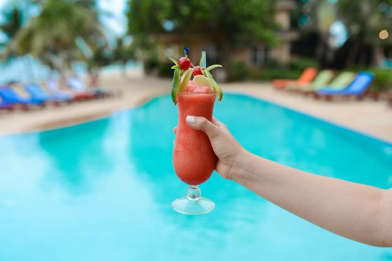 Belizean Dreams Resort: Enjoy local frozen beverages with our all inclusive packages