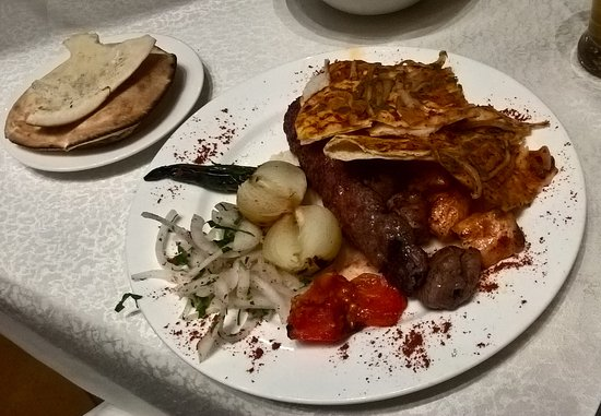 Le Royal Hotel Amman: food in the Lebanese restaurant