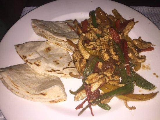 Mariscos Chendo's: Chicken Fajitas