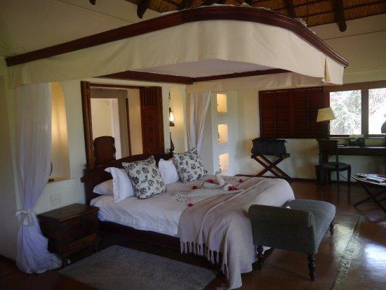 Chobe National Park, Botswana: Large bedroom