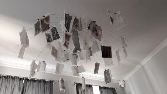 Teplice, Repubblica Ceca: Beethoven Zimmer, mit Musikinstrumenten u. Beethovenbüsten dekoriert