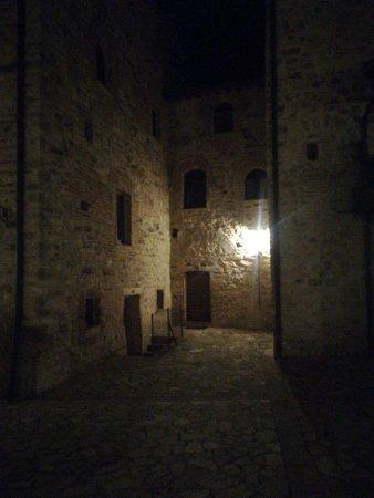 Todi, Italia: IMG-20171123-WA0016_large.jpg