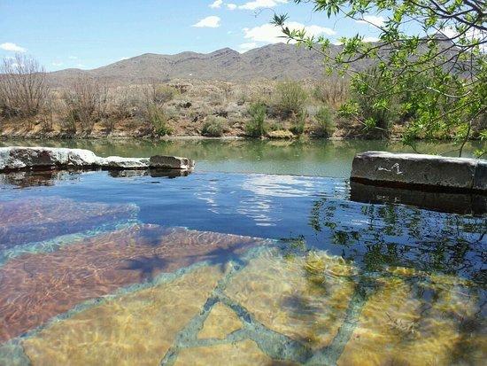 Riverbend Hot Springs: photo1.jpg