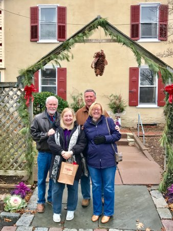 New Hope's 1870 Wedgwood Bed and Breakfast Inn: The Holidays and all of Winter is a great time to visit Wedgwood Inn & it's adjacent Umpleby Hou