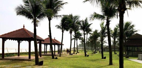 Ana Mandara Hue Beach Resort: Hotel garden
