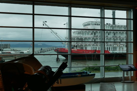 Columbia River Maritime Museum: Loved the space.