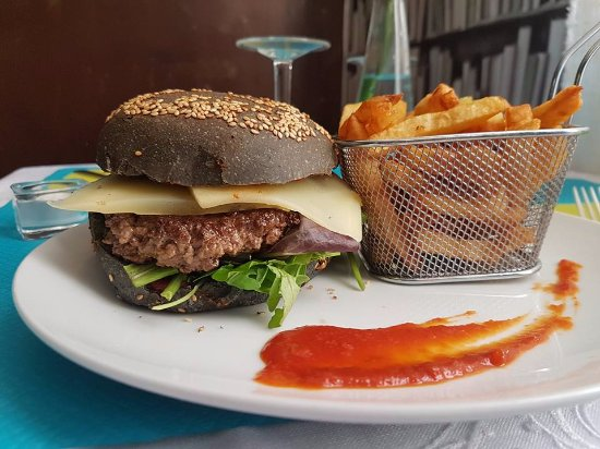 burger de saison et frites maison picture of new ground avignon tripadvisor. Black Bedroom Furniture Sets. Home Design Ideas