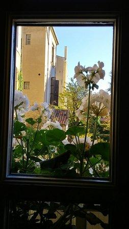 La Maison d'Aix : 1114170912_HDR_large.jpg