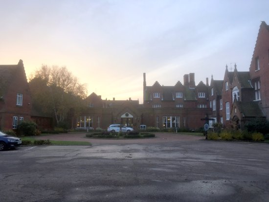 ‪‪Sprowston‬, UK: Sprowston Manor at dawn‬