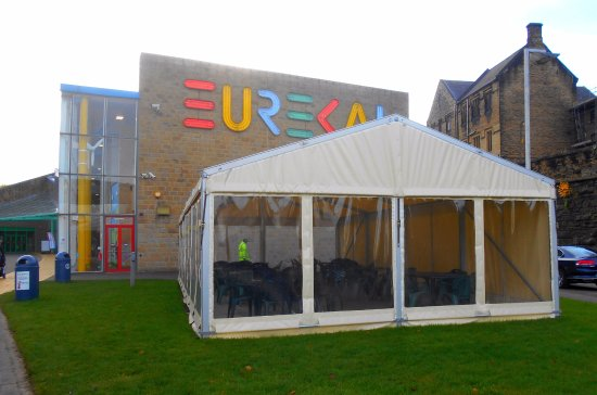 Halifax, UK: entrée du musée