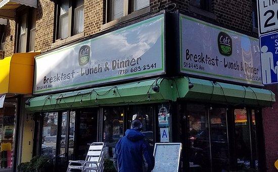 Woodside, Nova York: The corner diner