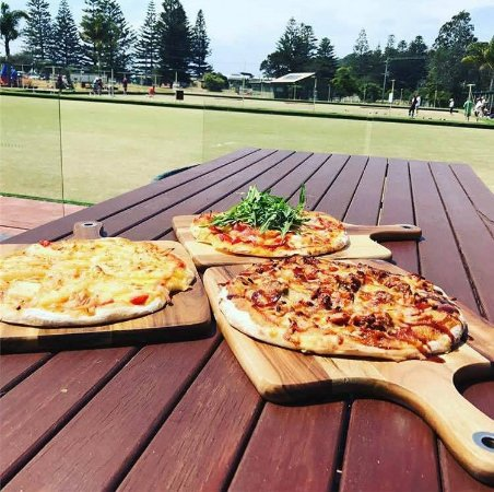 Tathra, Australia: Pizza's now available Thursday to Sunday 5pm - Late.