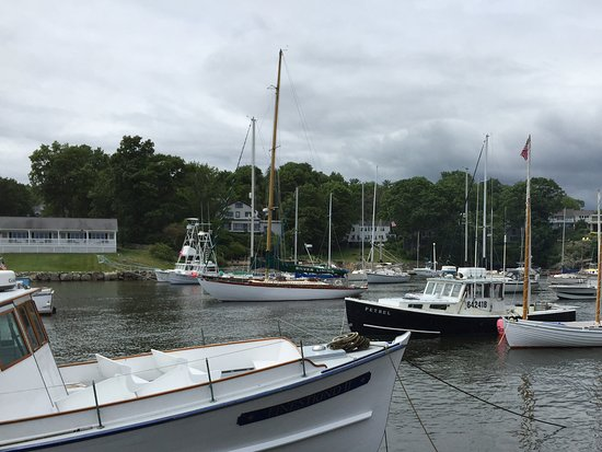Barnacle Billy's: Baie marina