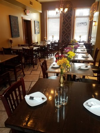 Nicky's Thai Kitchen: Inside Seating