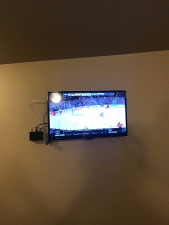 Clarenville, Canadá: Wall Mounted TV