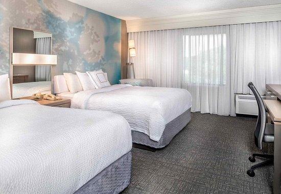 Lynchburg, VA: Queen/Queen Guest Room