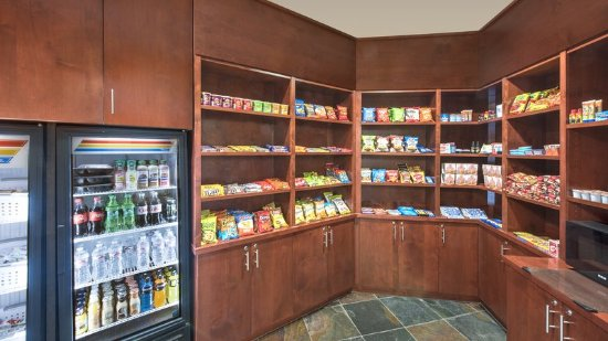 Lakewood, CO: The Market for snacks and goodies