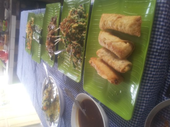 Warung Jegeg: Friday cooking class with rubby and family