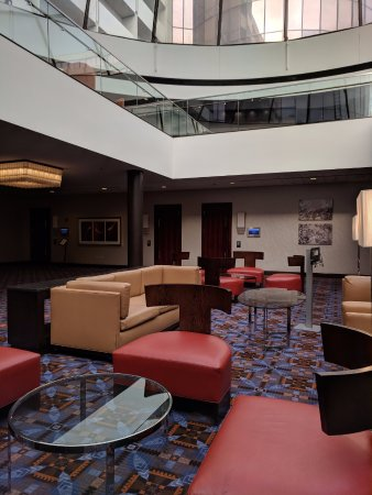 Rosemont, IL: The lower-level atrium lobby of the meeting/event area off the main lobby.
