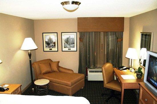 Standard King Room Picture Of Hampton Inn Suites Albany Downtown Albany Tripadvisor