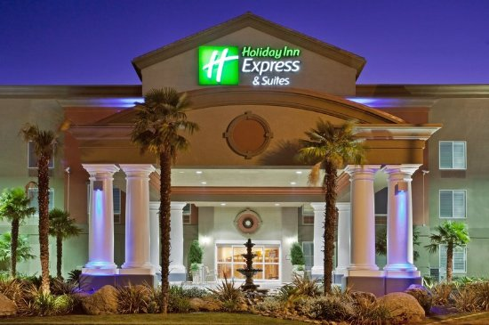 Modesto, CA: Enjoy our modern design and landscape as you drive into the hotel