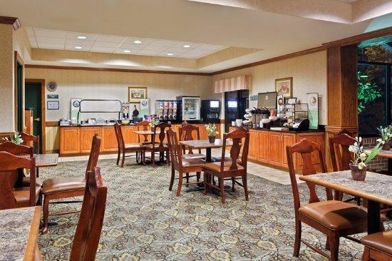 Morrisville, Carolina del Norte: CountryInn&Suites RaleighDurham BreakfastRoom