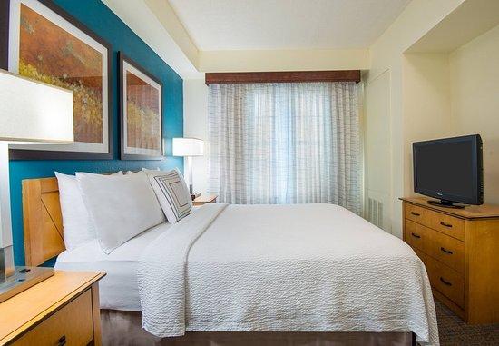 Miramar, FL: One-Bedroom Suite - Bedroom