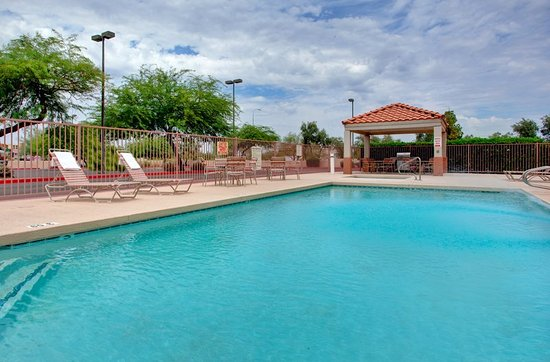 Candlewood suites phoenix tempe updated 2017 hotel for Tempe swimming pool