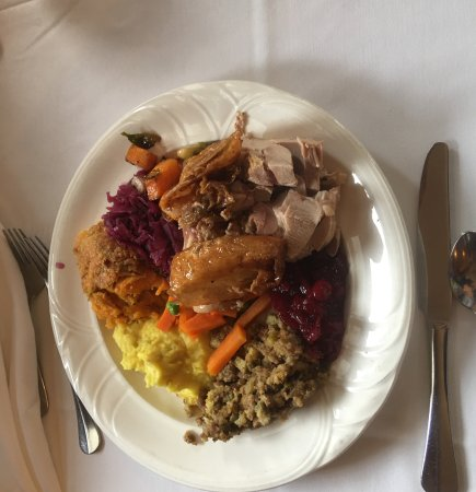 Victorian Inn: Thanksgiving Dinner