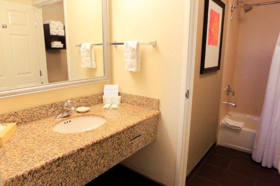 Milpitas, CA: Bathroom Amenities