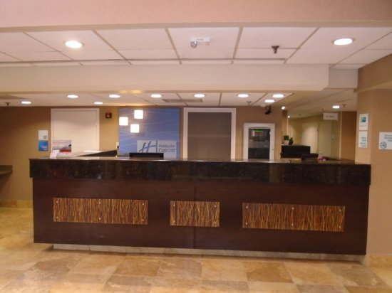Midlothian, VA: Front Desk
