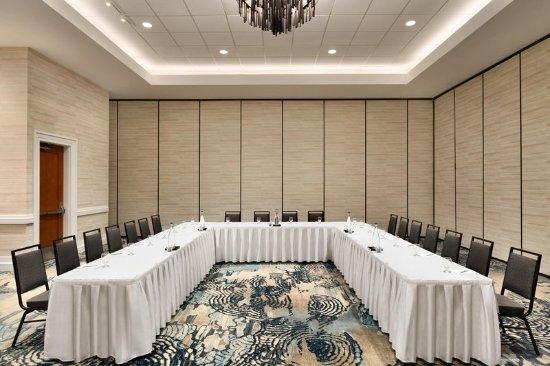 Embassy Suites by Hilton Hotel Monterey Bay - Seaside: Meeting Room U-Shape Setup