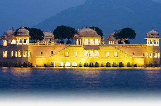 Privat 2-dages tur til Jaipur fra...