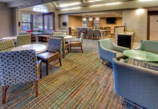 Germantown, TN: Lobby Sitting & Dining Area