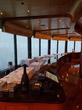 Toula restaurant toronto omd men om restauranger for 1 harbour square 38th floor toronto on m5j 1a6