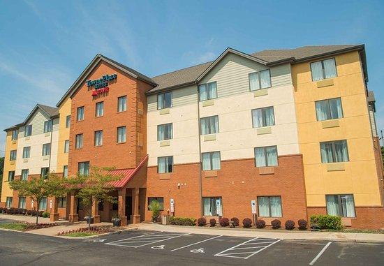 TownePlace Suites Erie: Exterior