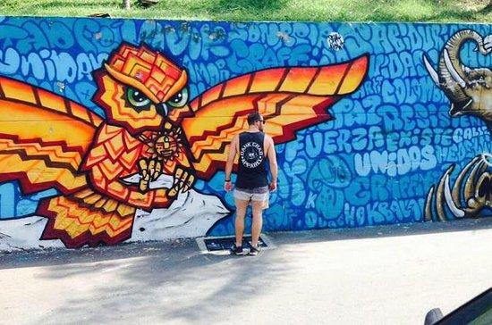 Pablo, Graffiti and Comuna 13 Tour in...