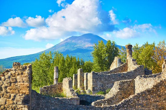 Full Day Tour of Pompeii and Mount...