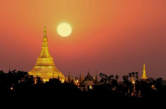 Exploring Heart of Yangon Tour with...