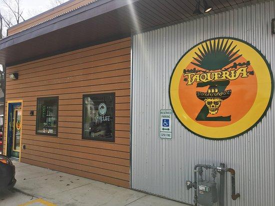 Edwardsville, เพนซิลเวเนีย: Exterior/entrance