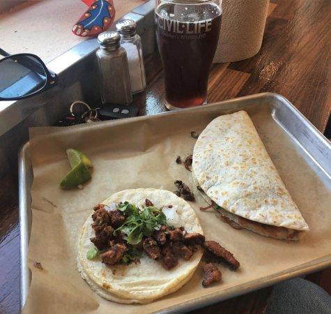 Edwardsville, เพนซิลเวเนีย: Carne asada and mushroom tacos