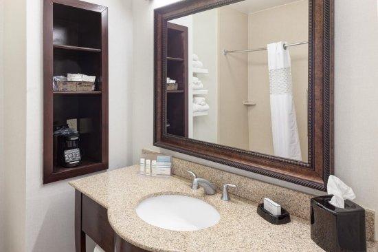 Burleson, TX: Bathroom