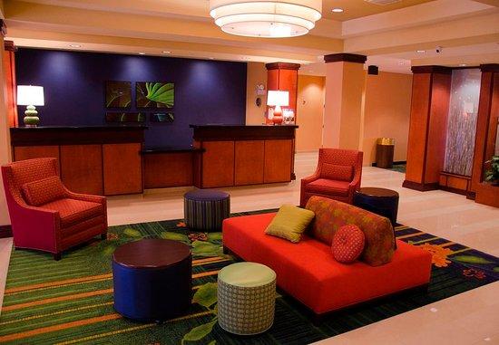 Holiday, FL: Lobby