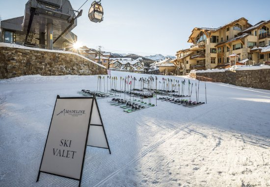 Madeline Hotel and Residences: Amenities Ski Valet
