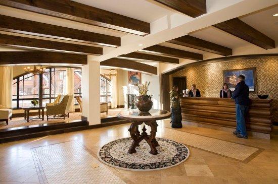 Mountain Village, CO: Hotel Madeline Lobby